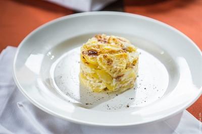 Картофель запеченный в сливках.
