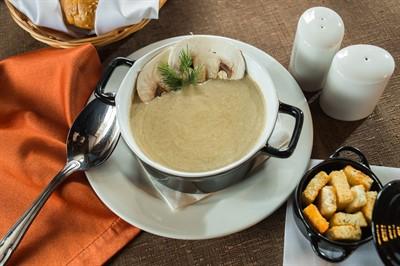 Крем суп из лесных грибов.